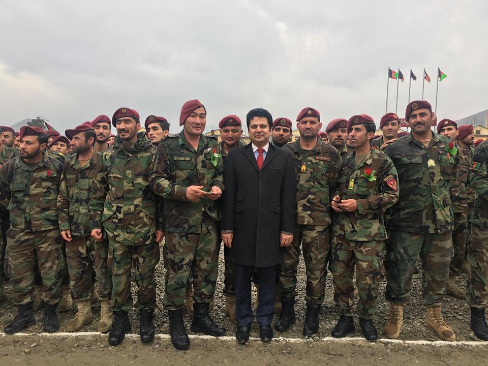 سربازان عزیز، فداکار و قهرمان کشورم روزتان مبارکباد