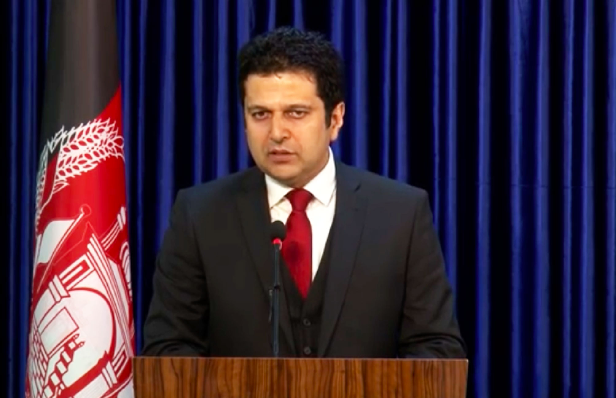 نشست خبری (۴) دکتور مجیب الرحمن رحیمی سخنگوی ریاست اجرائیه